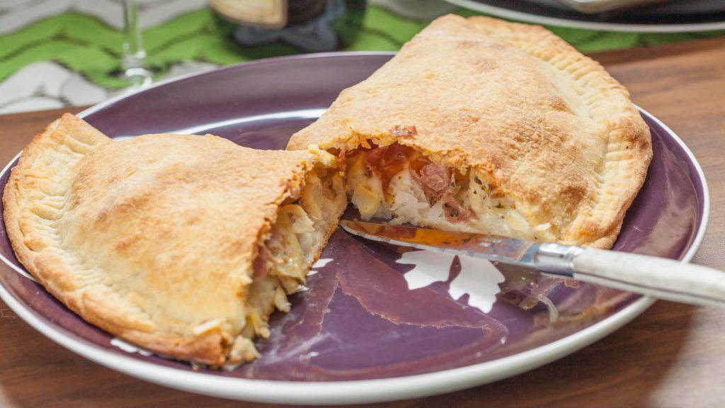 Mozzarella and Prosciutto Calzone Pizza