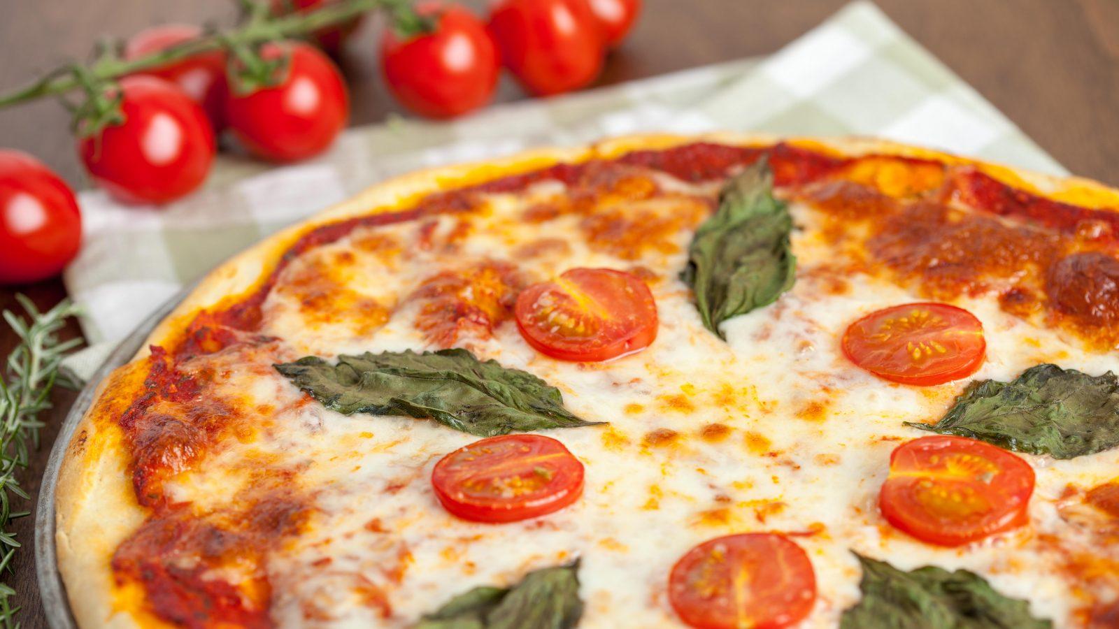 Pizza Margherita - Online Culinary School (OCS)
