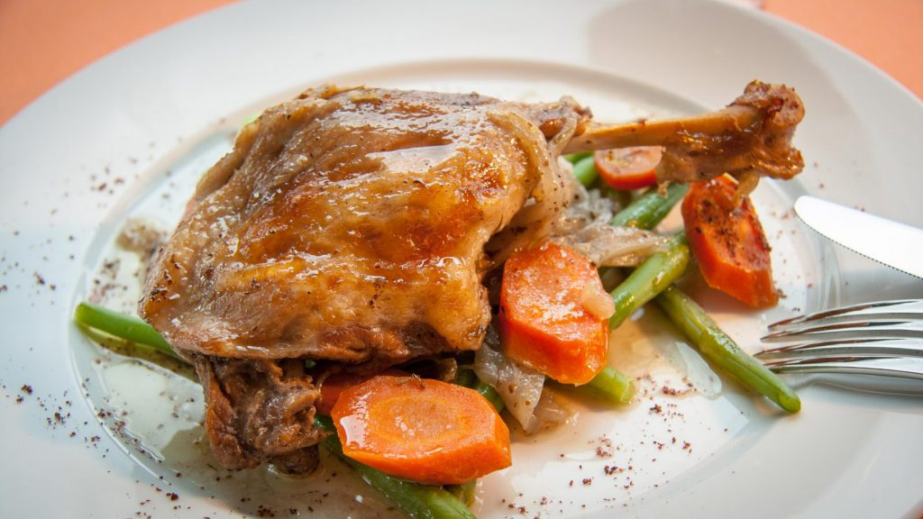 Braised Duck Legs with Carrots and Green Beans