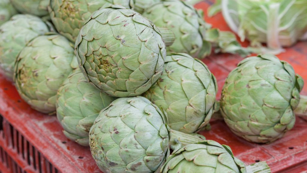 "How to Prepare and Cook Artichokes ""in a Blanc"""