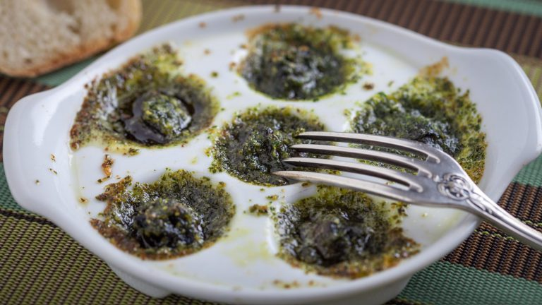 Snails in Garlic Butter - Online Culinary School