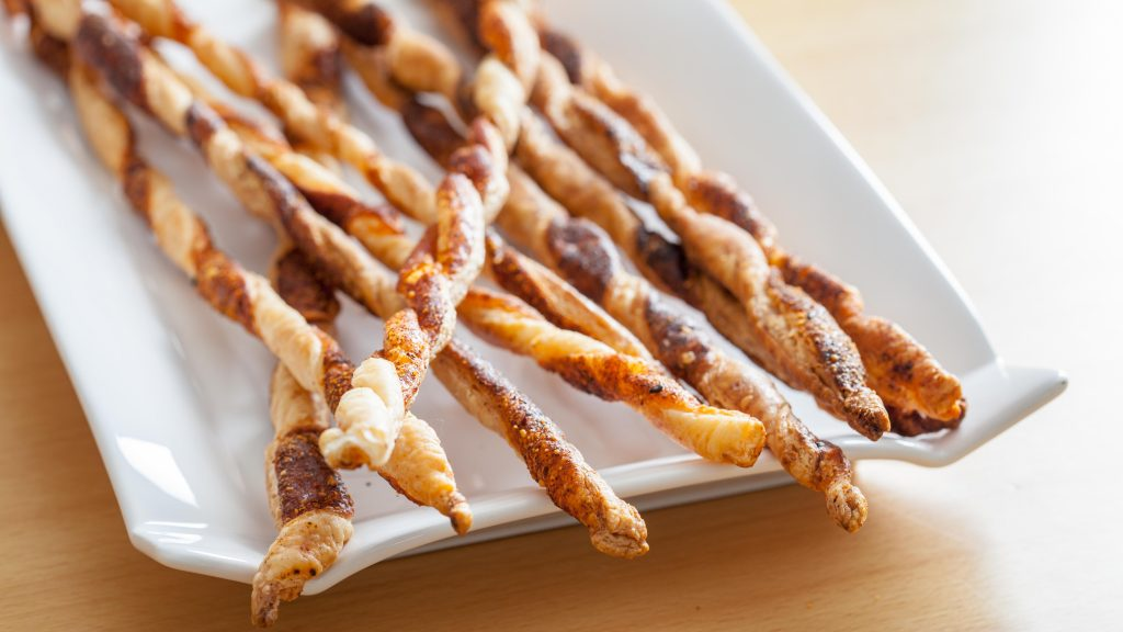 Crispy Comte Cheese Paprika Twist